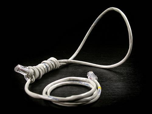 lazo corredizo con cable de red ¿Podrá soportar España 4.000.000 de bajas de clientes de banda ancha?